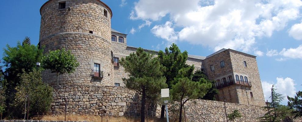 Castillo palacio magalia en las navas del marques vila clubrural - Casa rural las navas del marques ...