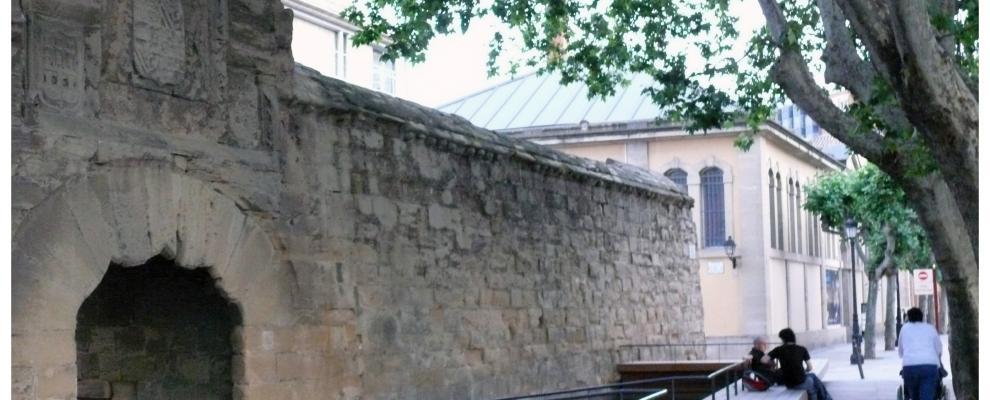 Murallas del revell n en logro o la rioja clubrural - Casas rurales logrono ...