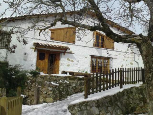 casa rocar se encuentra en el municipio de santiago u pontones y quiz sea su historia una de las casas ms antiguas del pueblo su altitud a ms de