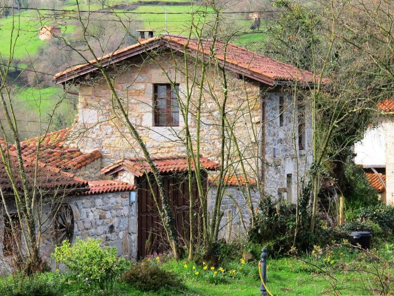 5 casas rurales con jard n en asturias clubrural for Casa jardin asturias