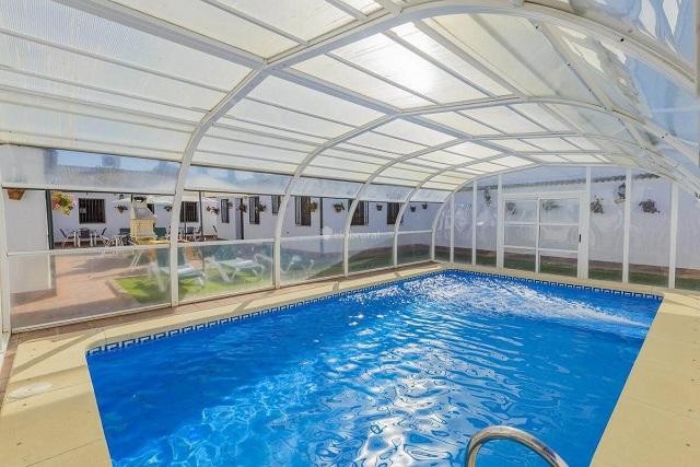 C mo organizar una despedida de soltero rural clubrural - Casa rural con piscina cubierta ...