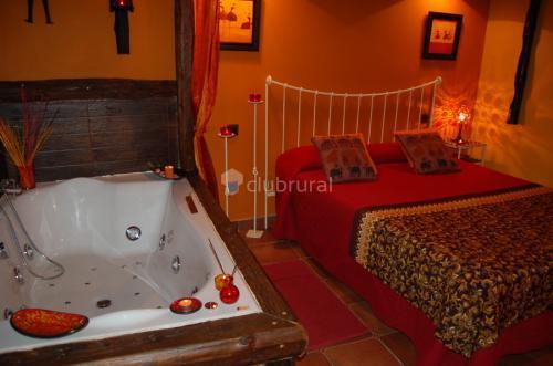 Casas rurales con jacuzzi en la habitaci n clubrural - Escapadas romanticas jacuzzi habitacion ...