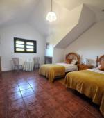 Habitación con camas separadas