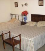 HABITACION TRIPLE CON 1 CAMA MATRIMONIAL + 1 CAMA SIMPLE