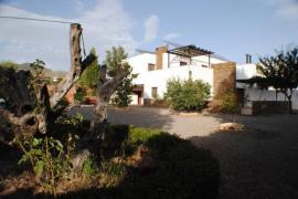 El Domingo en El Valle casa rural en Fondon (Almería)