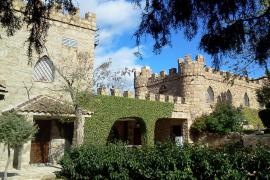 Castillo de La Isla del Burguillo casa rural en El Barraco (Ávila)