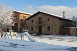 La Casa De Piedra De La Aldea casa rural en Hontoria Del Pinar (Burgos)