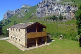 Gran Casa Las Hayucas casa rural en San Roque De Riomiera (Cantabria)
