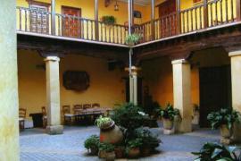 Casa Palacio Conde de Garcinarro casa rural en Huete (Cuenca)