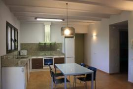 Apartamentos Ca la Lola i en Quel casa rural en Sant Jordi Desvalls (Girona)