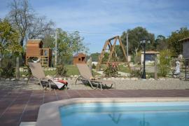 Cal Guillot  casa rural en Vilademuls (Girona)