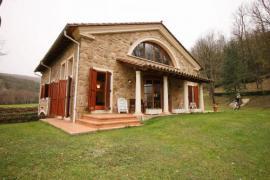 L´Esquirol casa rural en La Vall D´en Bas (Girona)