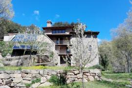 Mas Campolier casa rural en Sant Ferriol (Girona)