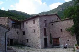 Mas Mitjavila casa rural en Ogassa (Girona)