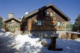 Niu Dels Falcons casa rural en Alp (Girona)