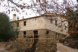 La Revuelta y La Colora casa rural en Fuenteheridos (Huelva)
