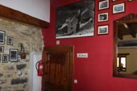 Casa Ángela-Res.O;Cado casa rural en Puyarruego (Huesca)