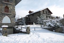 Hotel Rural El Churrón casa rural en Larres (Huesca)