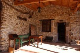 La Corte casa rural en Valdepielago (León)