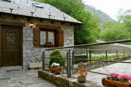 La Comella y La Llucana casa rural en Barruera (Lleida)