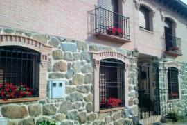 Apartamentos Rurales Los Caños casa rural en Cenicientos (Madrid)