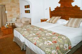 Hotel Rural Binigaus Vell casa rural en Es Migjorn Gran (Menorca)