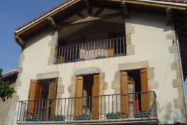 Angoiko Etxea casa rural en Bakaiku (Navarra)