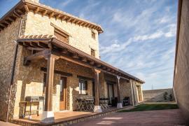 Blanca de Navarra casa rural en Santa Maria La Real De Nieva (Segovia)