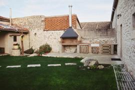 Hoyal De Pinares casa rural en Frumales (Segovia)