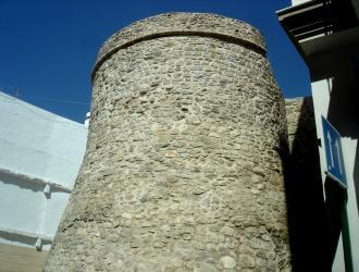 Restos de Murallas de la Fortaleza de Adra