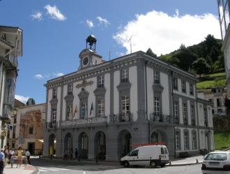 La iglesia parroquial de Pola de Allande