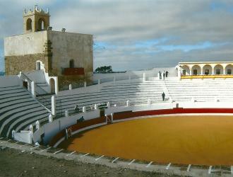 Castillo y Plaza de Toros