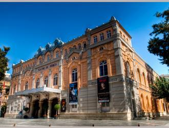 Plaza y Teatro Romea