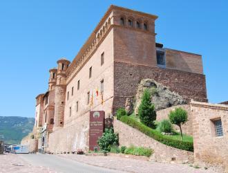 Castillo Palacio de Los Luna