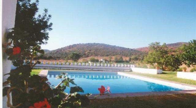 Tarifas hacienda la florida sevilla guadalcanal for Casa rural sevilla piscina