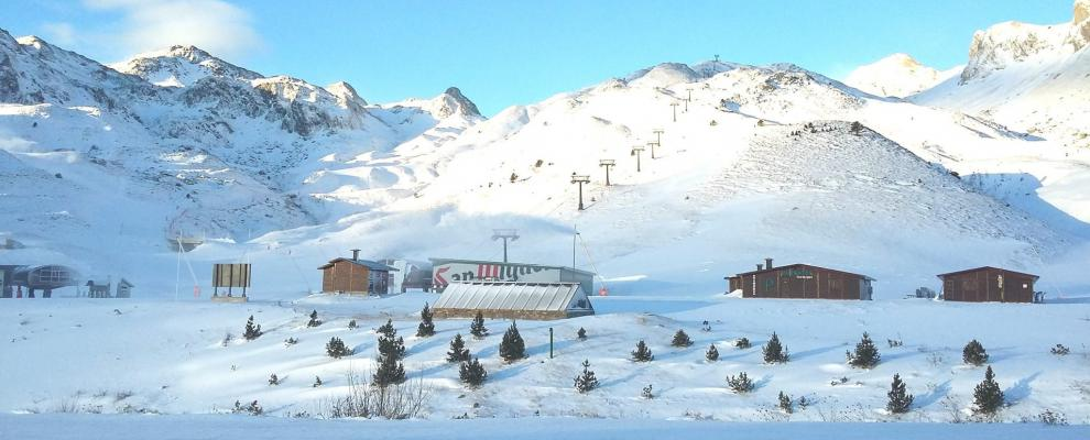 Casas rurales cerca de la estacion esqui formigal clubrural - Casas rurales en la nieve ...