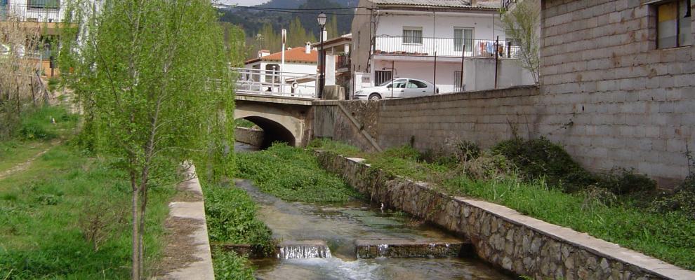 Calares Del Río Mundo Y De La Sima