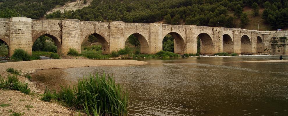 El Puente Sobre Pisuerga en Cabezon De Pisuerga, Valladolid ...