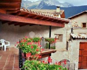 Casa rural roca roja y el castell casa rural en gosol lleida clubrural - Casas rurales lleida piscina ...