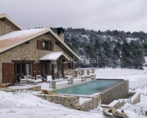 Pe a abantos casa rural en nogueruelas teruel clubrural for Piscina climatizada teruel